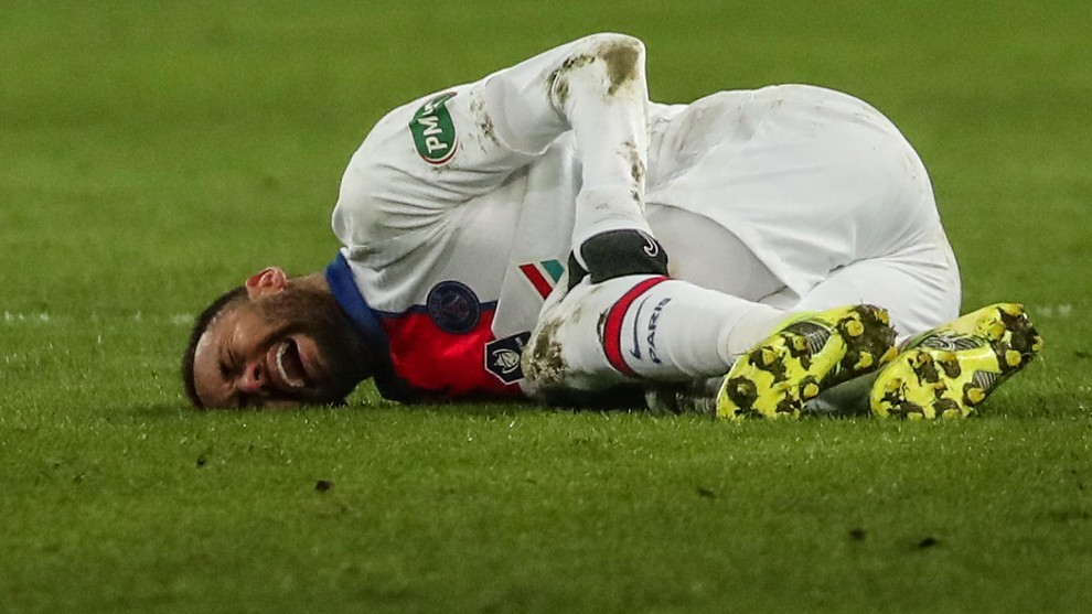 Neymar will be out for a month