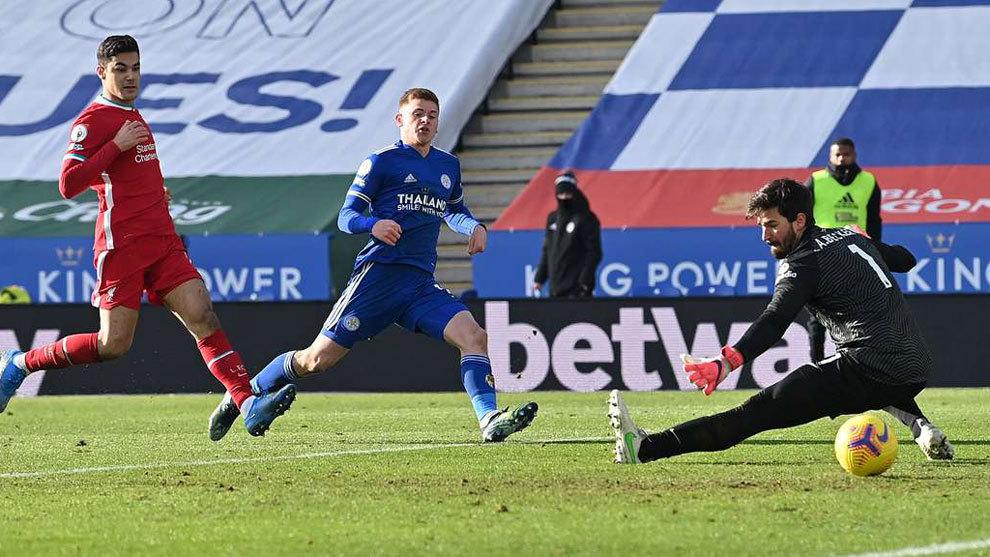 El Liverpool sigue en caída libre y suma en Leicester su tercera derrota consecutiva