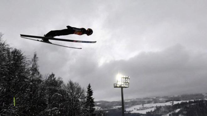 El japonés Ryoyu Kobayashi, durante un salto.