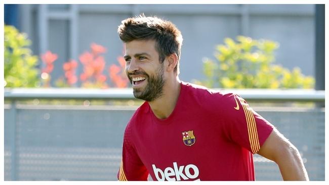 Piqué, en un entrenamiento con el Barcelona.