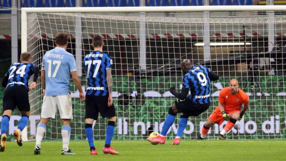 Inter toma el liderato de la Serie tras vencer a Lazio, Romelu Lukaku anotó un doblete
