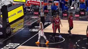 Serge Ibaka tras anotar una canasta ante los Miami Heat
