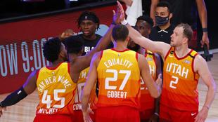 Los Utah Jazz celebran una victoria en la pasada burbuja de Orlando