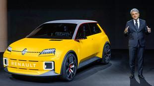 El consejero delegado de Renault Group, Luca de Meo, presenta el...