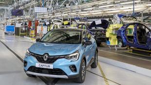 El Renault Captur e-Tech es uno de los modelos que ya se fabrican en...