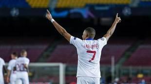 Mbappé, celebrando un gol en el Camp Nou