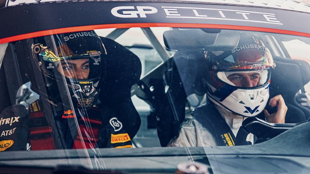 Max Verstappen y Kelly Piquet.