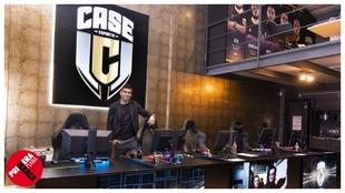 Casemiro en la sede de Case Esports.