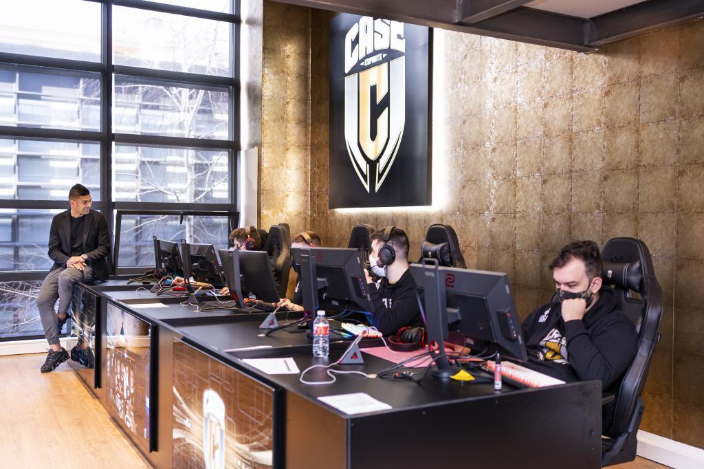 Casemiro en la sede de Case Esports. FOTO: Van Eyck Fotógrafos Sport