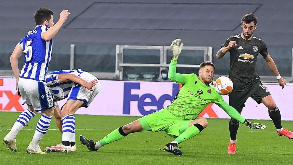 Remiro no pudo hacer nada ante Bruno Fernandes en la acción del 0-1.