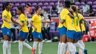 Brasil Femenil golea a Argentina en la inauguración de la Shebelieves...