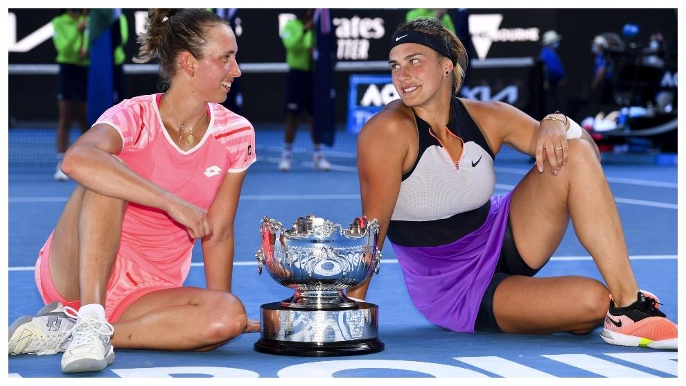 Mertens y Sabalenka, campeonas del dobles en Australia