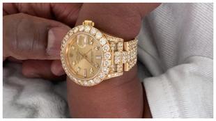 El nieto de Floyd Mayweather luce el reloj que le ha regalado su...