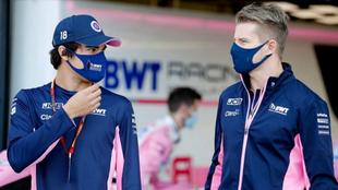 Lance Stroll y Nico Hülkenberg, durante el GP 70 Aniversario en...