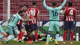 Morales celebra el gol en el Wanda.
