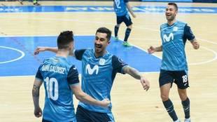 Los jugadores del Movistar Inter celebran uno de los goles ante el...