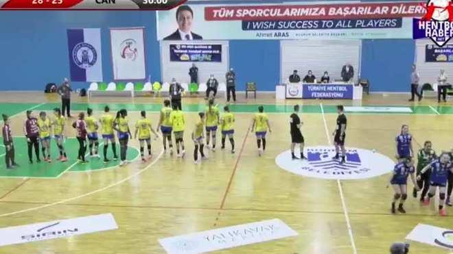 Las jugadoras del Remudas tras la derrota en Turquía /
