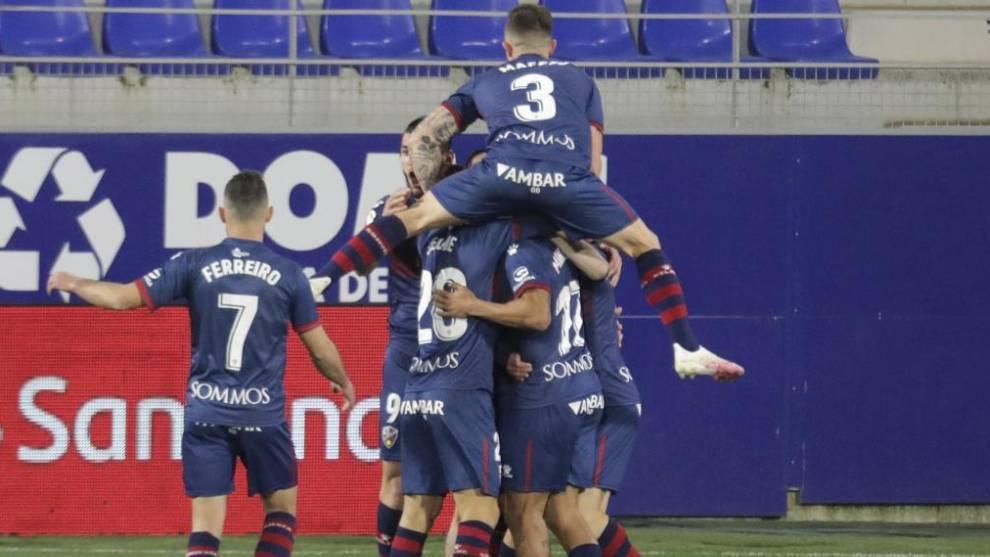 El Huesca logra un triunfo de oro