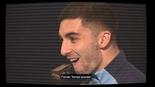 Ferran Torres narrando sus goles en Champions con el City.