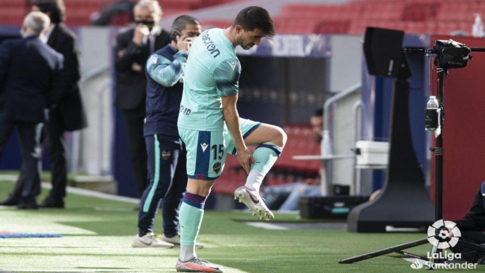 El Levante confirma la lesión muscular que Postigo sufrió en el...