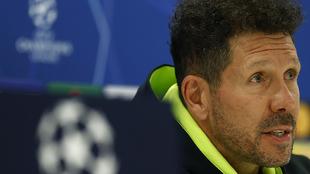 Simeone en la rueda de prensa previa al partido frente al Chelsea.