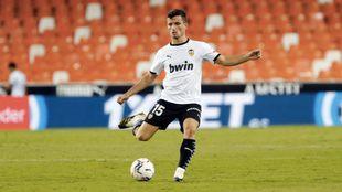 Hugo Guillamón, en un partido del Valencia esta temporada