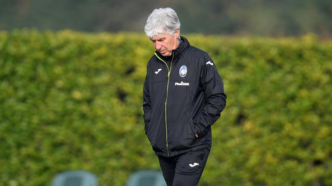 Gianpiero Gasperini en un entrenamiento con Atalanta.