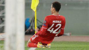 Musiala (17), tras marcar el 0-2 ante la Lazio.