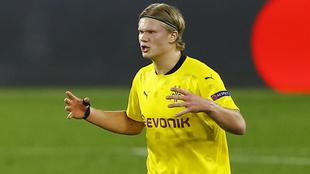 Erling Haaland en un juego con el Borussia Dortmund.