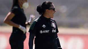Mónica Vergara arrancó con un triunfo y un empate con la selección...