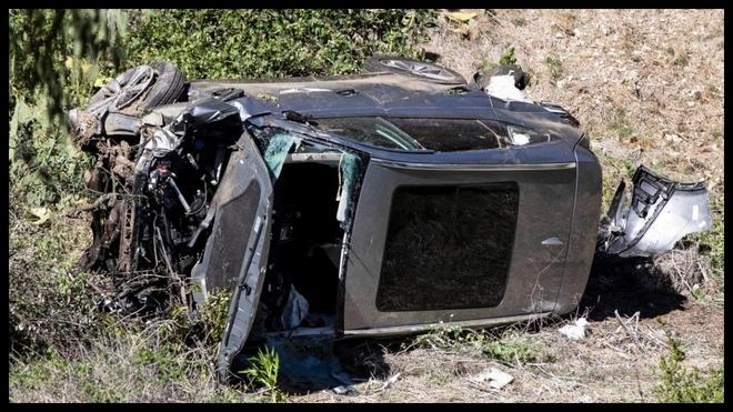 Así quedó el vehículo en el que viajaba Tiger Woods