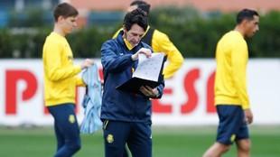 Emery, durante un entrenamiento con el Villarreal.
