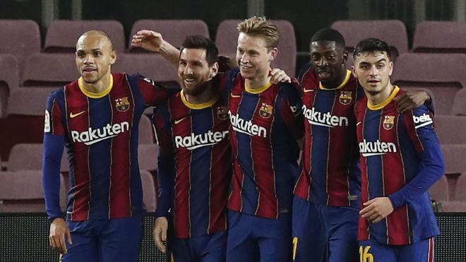 Festejo del Barcelona en el triunfo ante el Elche.