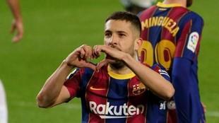 Alba celebra su gol contra el Elche