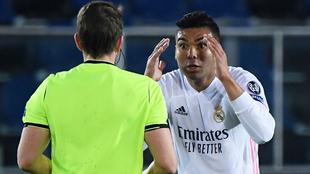Casemiro en el duelo entre Atalanta y Real Madrid.