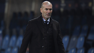 Zinedine Zidane en el duelo entre Atalanta y Real Madrid.