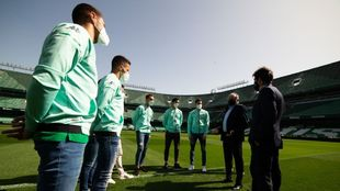 Acto del club ayer con varios jugadores