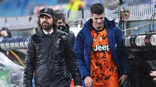 Álvaro Morata saliendo del campo en el duelo ante el Oporto en...