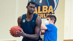 Christ Koumadje, en un entrenamiento personal con el Alba.