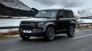Está disponible con carrocería de tres y cinco puertas.