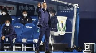 José Gomes da instrucciones a sus jugadores