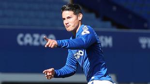 James festeja un gol con el Everton.