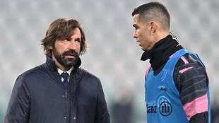 Cristiano charla con Pirlo antes de un partido de la Juve.