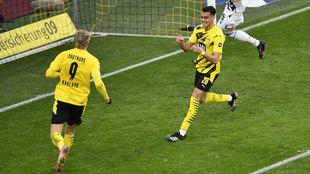 Reinier celebra su gol con Haaland.
