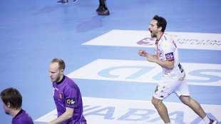 El 1ª línea chileno Feuchtmann celebra un gol ante el Chekhovskie /