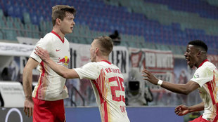 Sorloth celebra su gol al Gladbach.