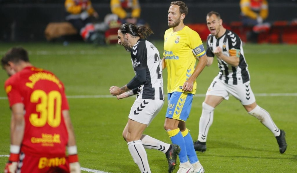 Marc Mateu celebra con rabia el gol que marcó a Las Palmas