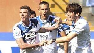 Gosens celebra el tanto que marcó ante la Sampdoria.