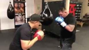 Andy Ruiz volverá a ser campeón mundial y noqueará a Anthony...