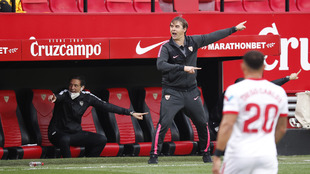 Lopetegui barks instructions from the dugout.